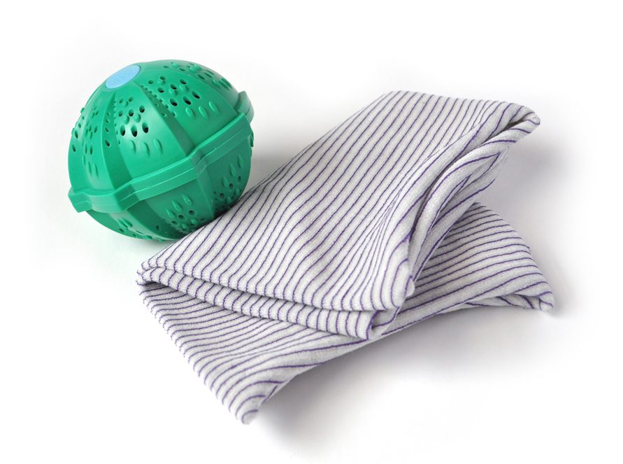 Image of the SmartKlean Laundry Ball and Reusable Dryer Sheets
