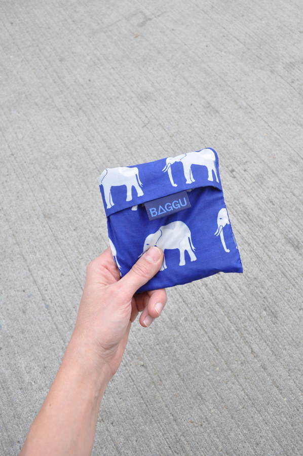 Image of a Blue Baggu Bag with White Elephants