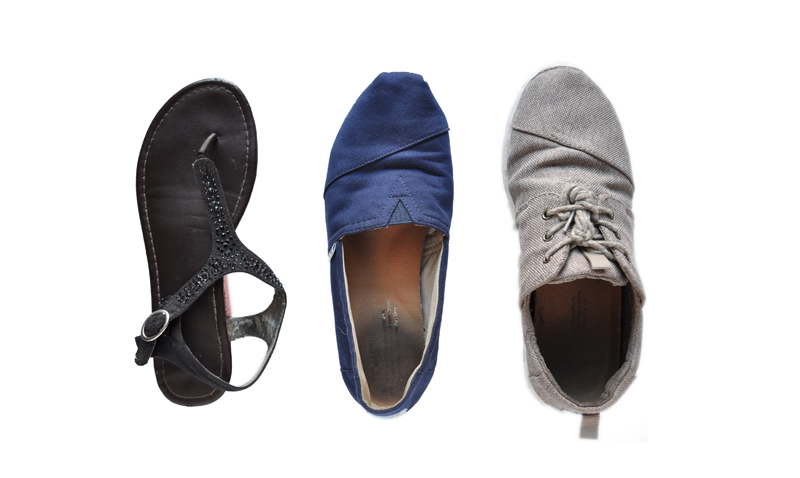 3 Essential Pairs of Shoes for Traveling