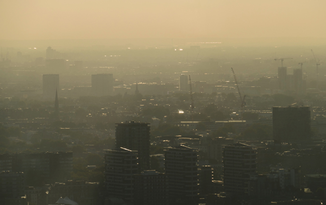 photo of a city skyline depicting outdoor air pollution